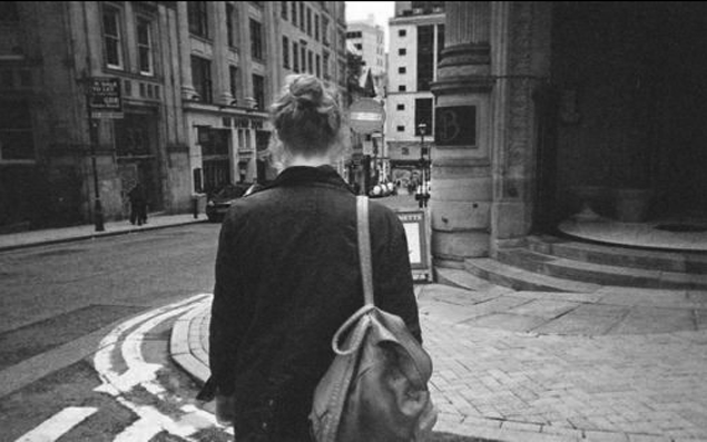 alone-bag-girl-grunge-Favim.com-1941650